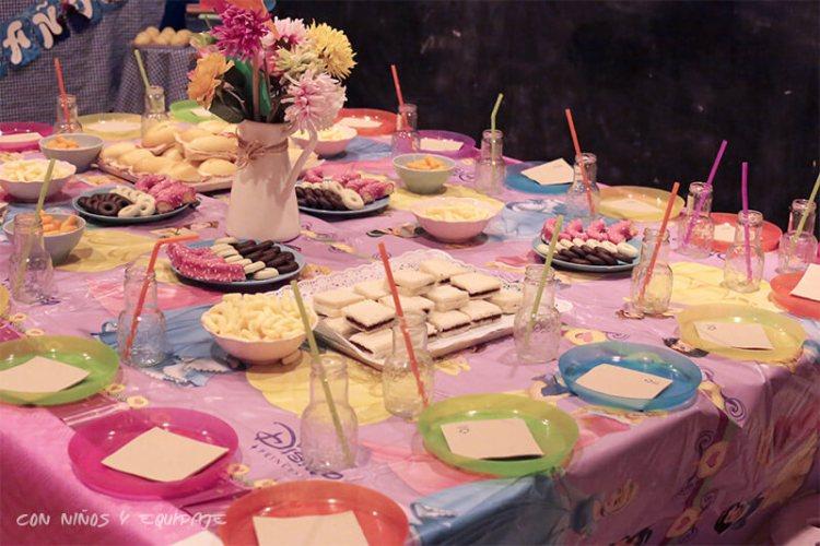 merienda en cumpleaños en Mandarina Garden
