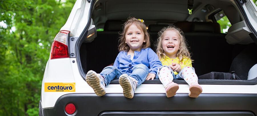10 Consejos Básicos para Viajar con Niños Pequeños en Coche