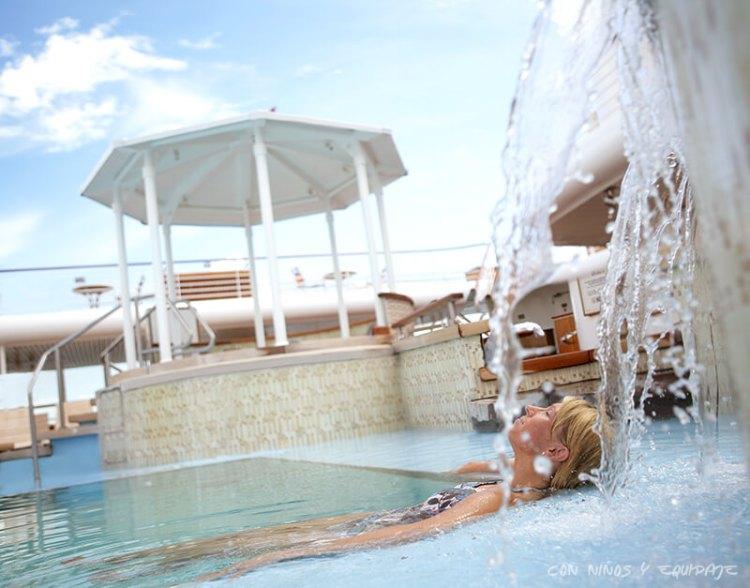 Cruceros Disney piscina de adultos