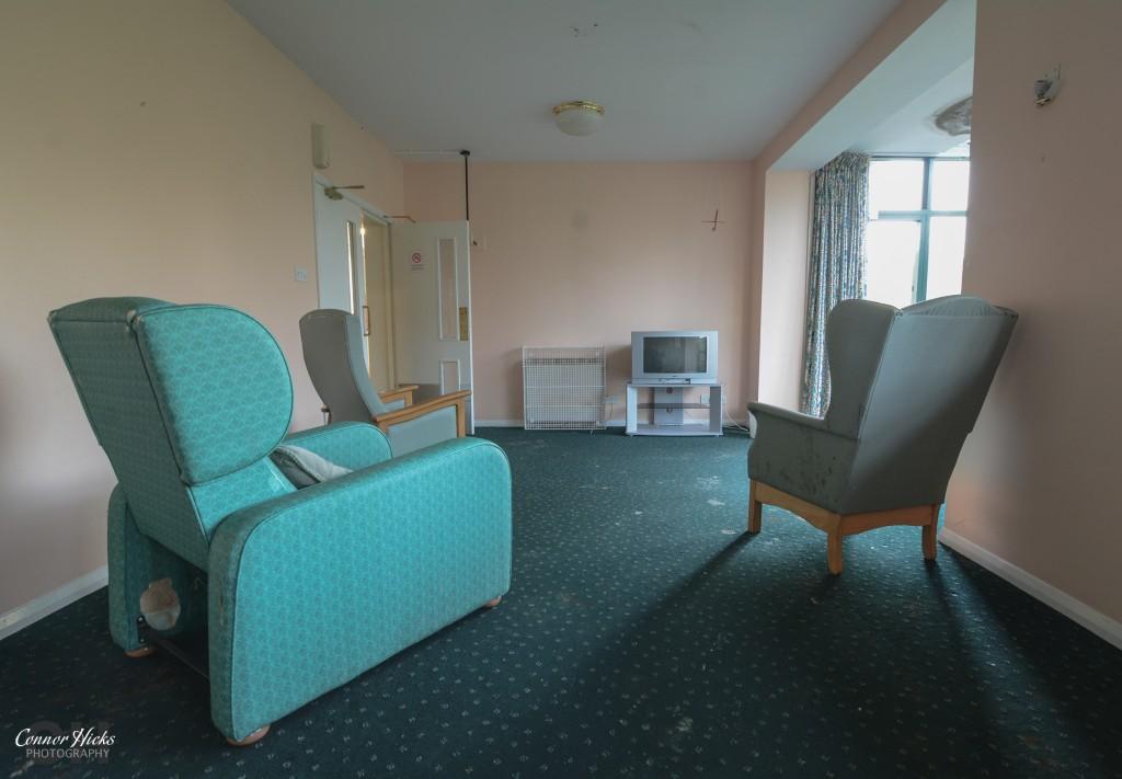 linford care home urbex TV room 1024x711 Linford Care Home, New Forest