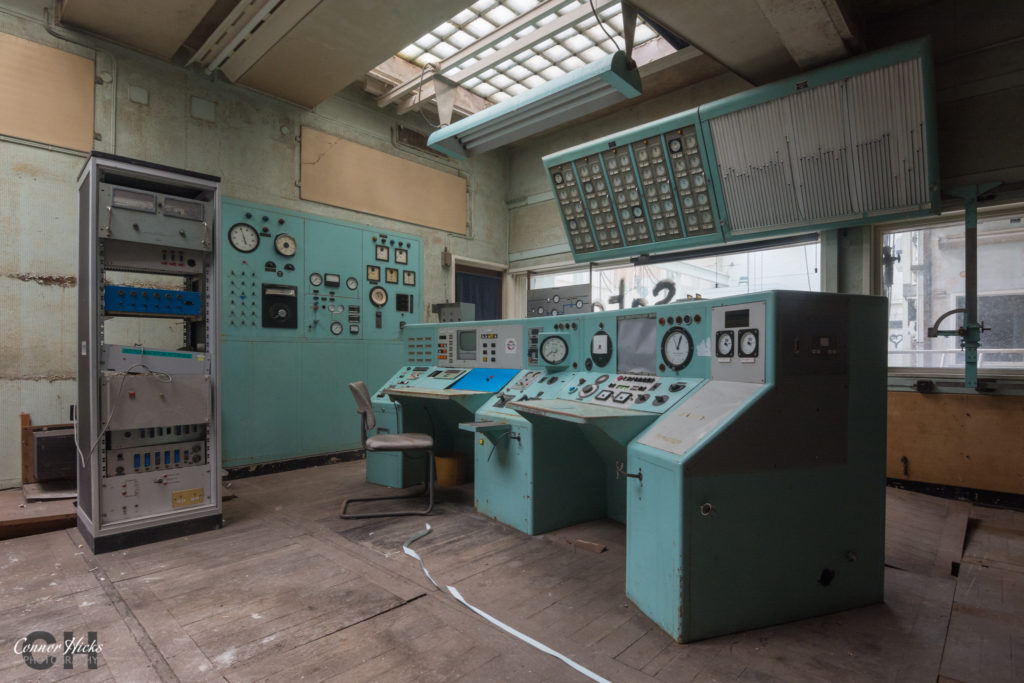 rae bedford wind tunnel urbex control panels 1024x683 RAE Bedford