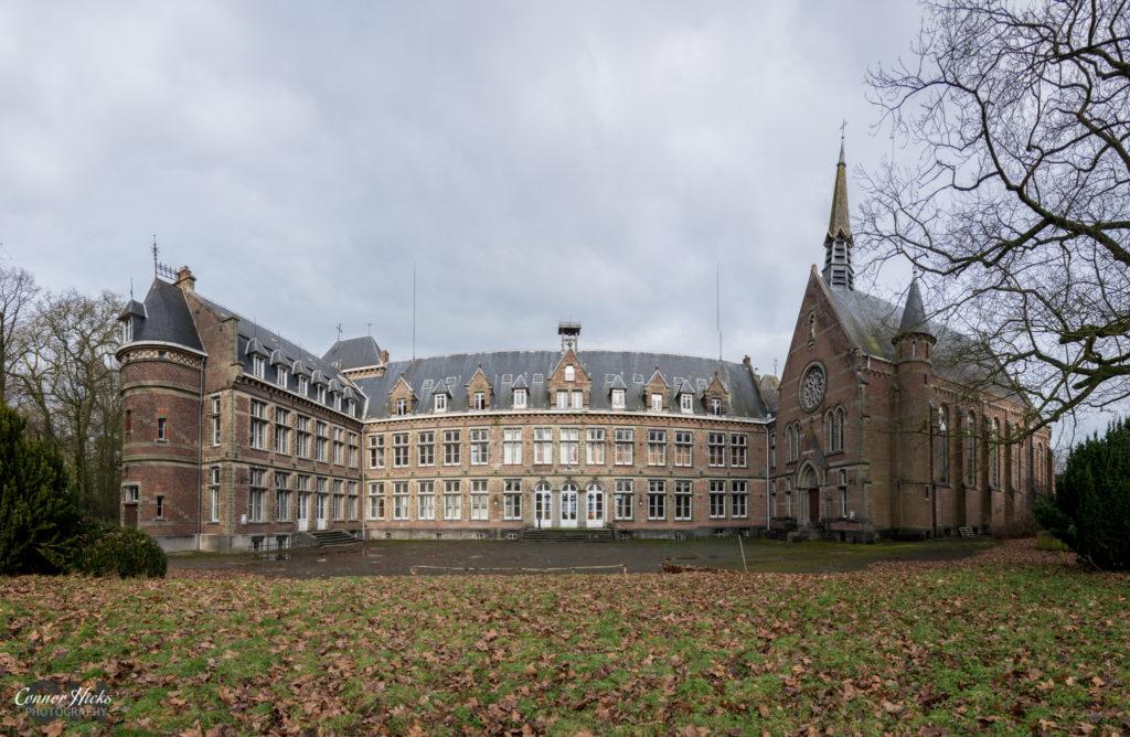 Urbex Pano Belgium Chateau Des Muscles 1024x668 Chateau Des Muscles, Belgium