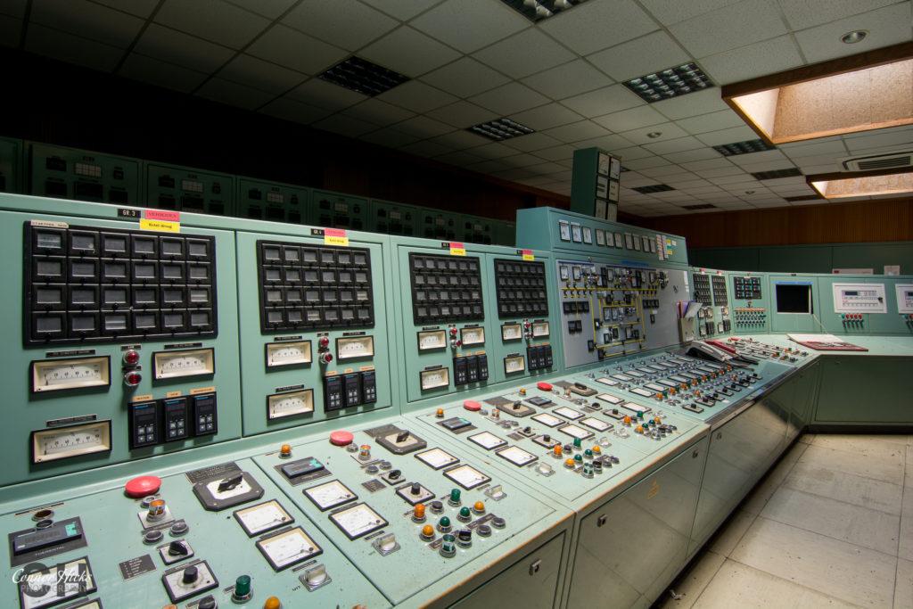 control room diesel farm belgium urbex 1024x683 Diesel Farm, Belgium
