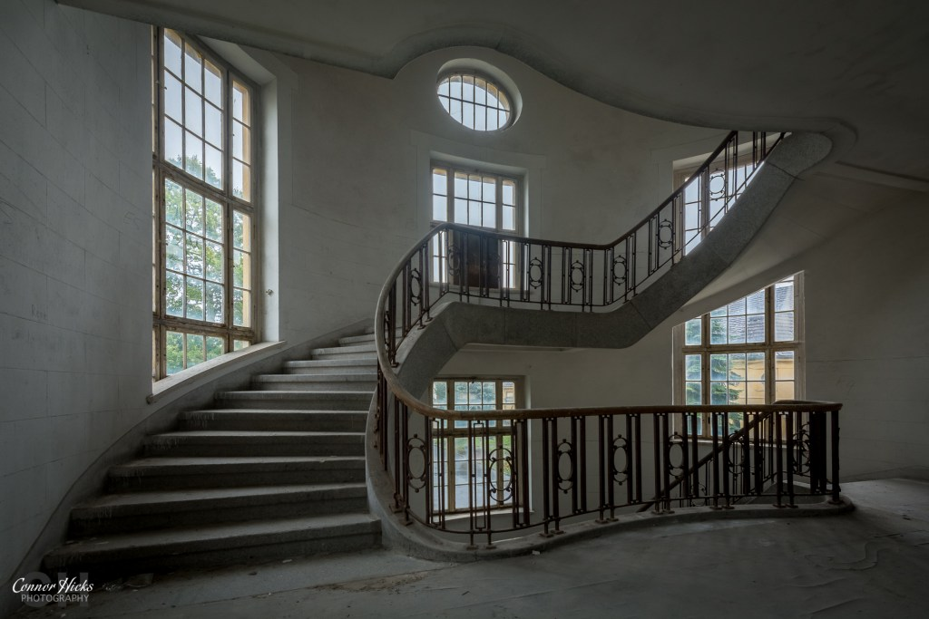 Haus Der Offiziere stairs urbex germany 1024x683 Haus Der Offiziere, Germany (Permission Visit)