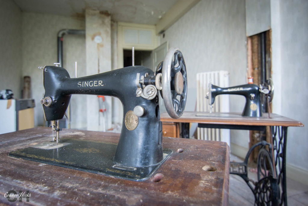 sewing machine hunters hotel 1024x683 Hunters Hotel, Germany (Permission Visit)