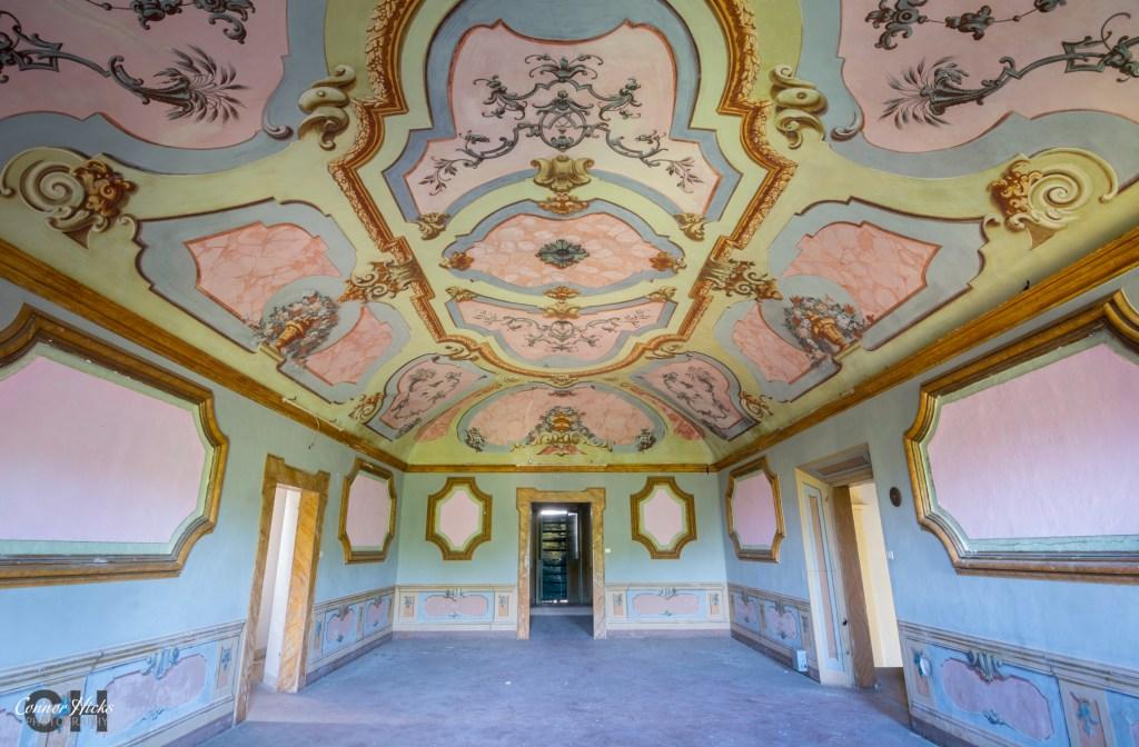 Villa Crypta Italy Urbex 1024x672 Villa Crypta, Italy