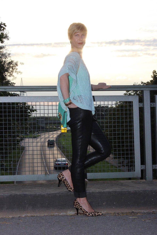 IMG_0671a_MichaelKors_Leopumps_Leatherpants_Mintleo