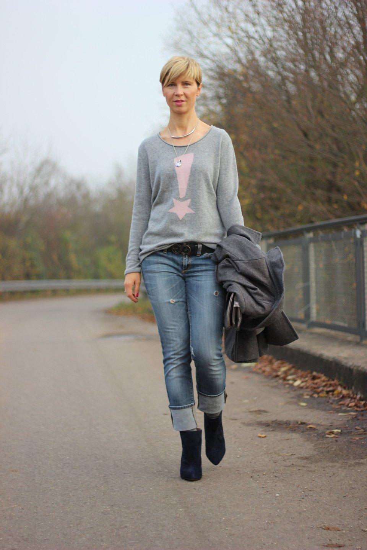 IMG_4576a_ConnyDoll_Kaschmirpulli_SOliver_Jeans_Booties_dunkelblau_rosaundgrau