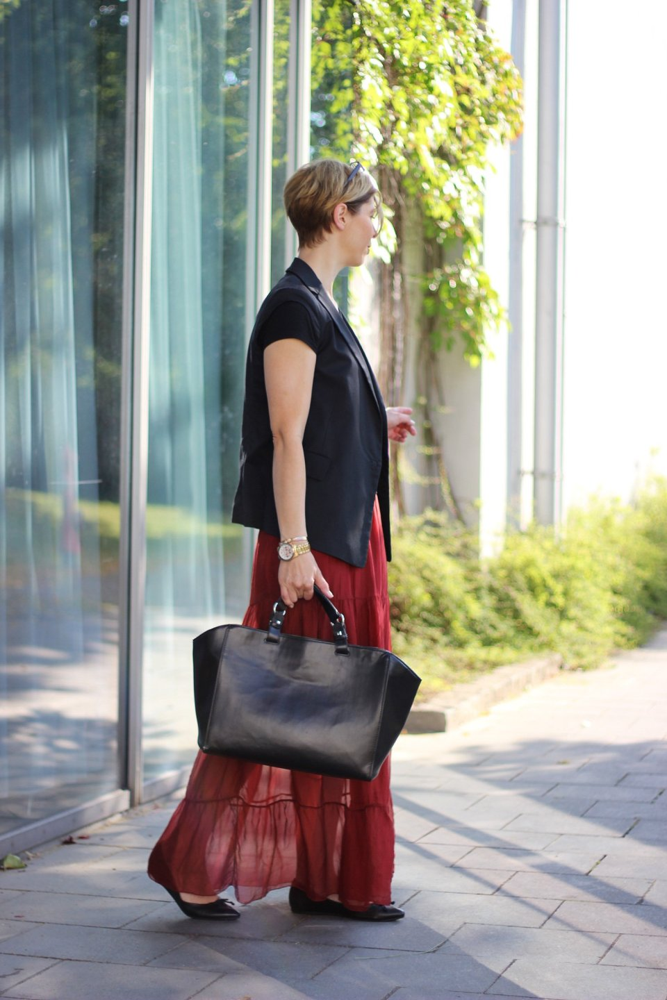 IMG_7669a_Maxirock_PaoloCasalini_Sommerbürooutfit_Officelook_Sommer_Seide