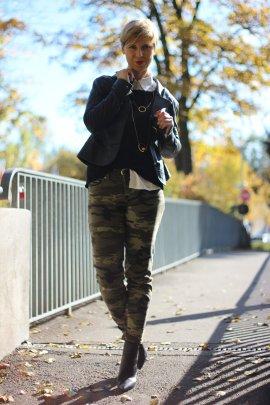 IMG_5290a_Camouflage_Set_ConnyDoll_AHemadundahos_H&M_Pulli_Espritbluse_schwarzweiß_Blackandwhite_Rucksack_DuneLondon_Gold_Zarakette