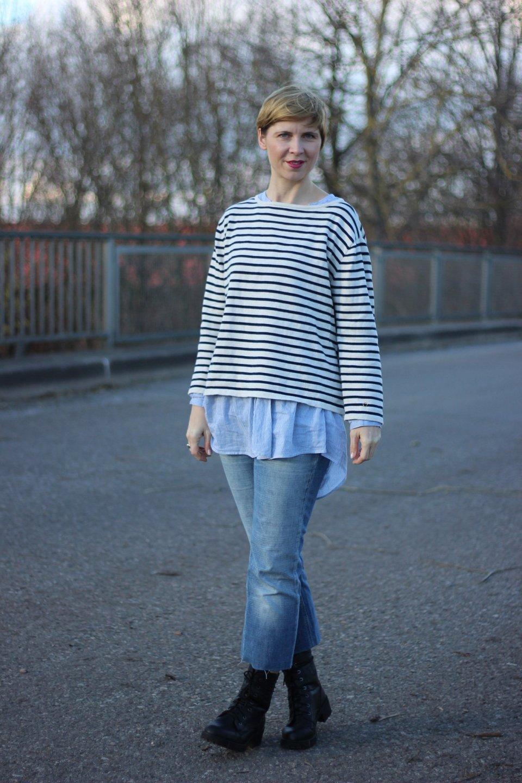 IMG_7715a-DIY-Jeans-Pepe-Bluse-H&M-Sweater-Neyo-Mantel-Schal-Lieblingsladen