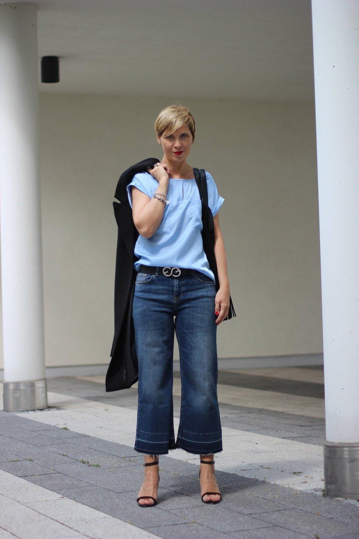 WENZ, Amy Vermont, cropped Jeans, Conny Doll, long Vest, lange Weste, Shirt, Hellblau, Sandalen, ü40Blog, Fashionblog