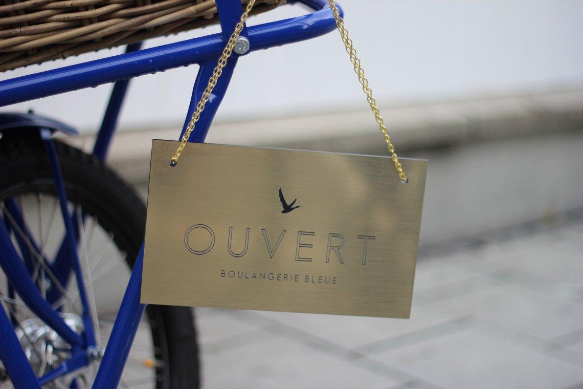 Boulangerie Bleue, Conny Doll, Cafe Reitschule Muenchen, Getraenk, franzoesische riviera, event, blau, outfit, fashionblog