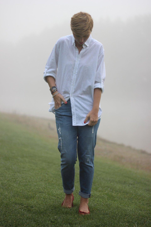 Jeans und weiße Bluse, Conny Doll, rote Ballerina, Lady.Bloggers, Boyfriend, Denim, Casual