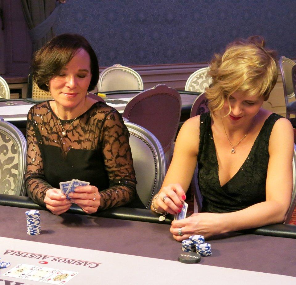 Casino, Salzburg, Conny Doll, Abendkleid, Casinorestaurant, Dinner, Schloss Kleßheim, Annette Höldrich, Poker, Kartenspiel