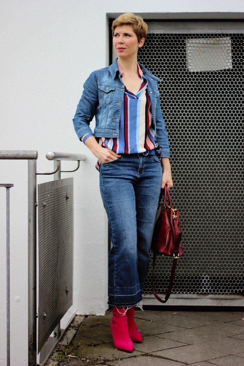 Conny Doll Lifestyle: Bluse mit bunten Streifen, Frühlingsstyling, Fashionblog, 40plus, Jeansculotte von WENZ, Jeansjacke