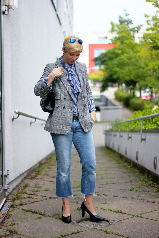 Conny Doll Lifestyle: Glencheck und Streifen, Denim, casual, pumps, business-styling