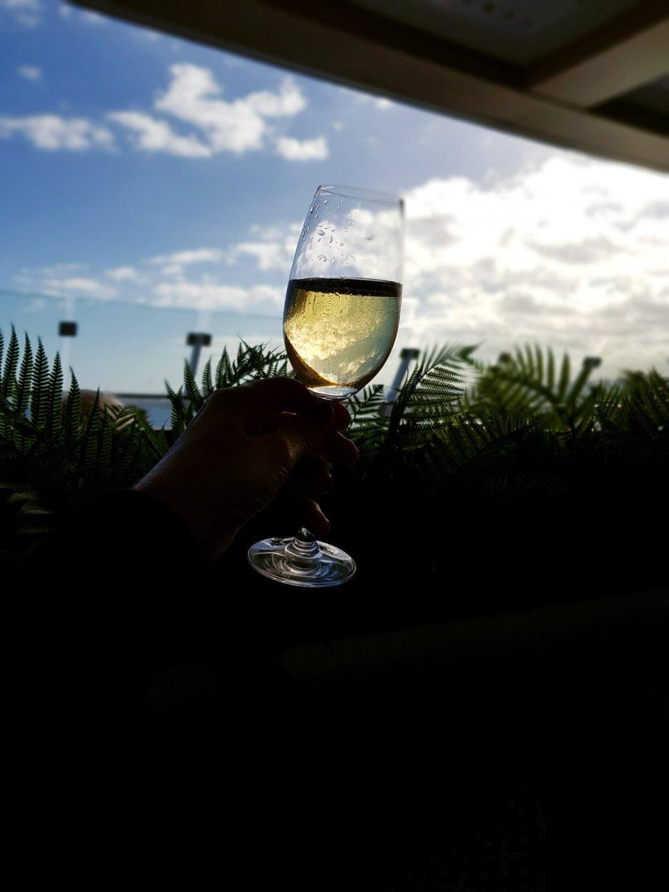 conny-doll lifestyle: Es geht weiter mit der Schiffsreise - meine Kreuzfahrt in Zahlen, Mein Schiff 1, TuiCruise, Kreuzfahrt, Seereise, Atmosphäre und Champagner in der XBar