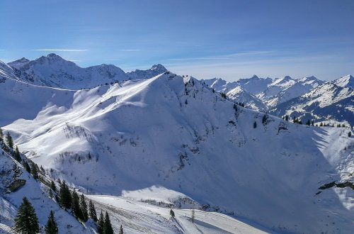 conny doll lifestyle: Skiurlaub mit Kindern im Kleinwalsertal und Oberstdorf - Familienzeit nicht nur im Schnee, Winterlandschaft, Urlaub, Wochenende, Schnee,