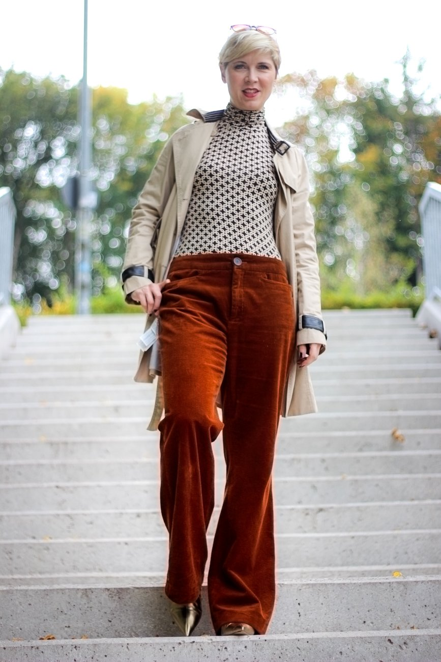 conny doll lifestyle: grafische Muster, Sechziger Jahre, Cordhose, Rollkragenshirt, Modeblog, Stylingidee,