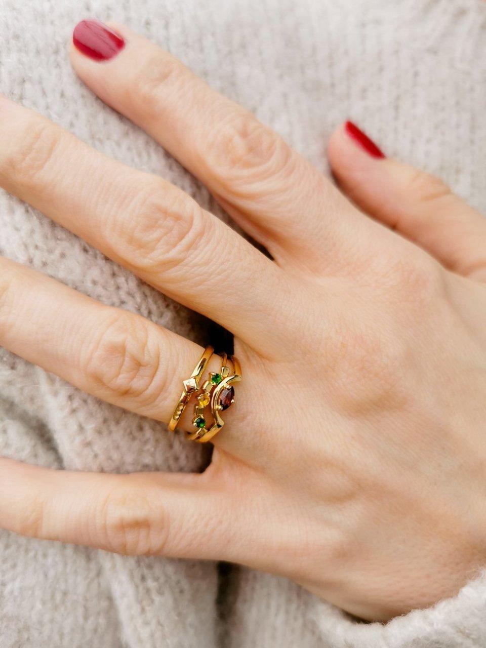 conny doll lifestyle: Carolin Stone, Daring Triad Ring, Edelsteinschmuck, Verlosung