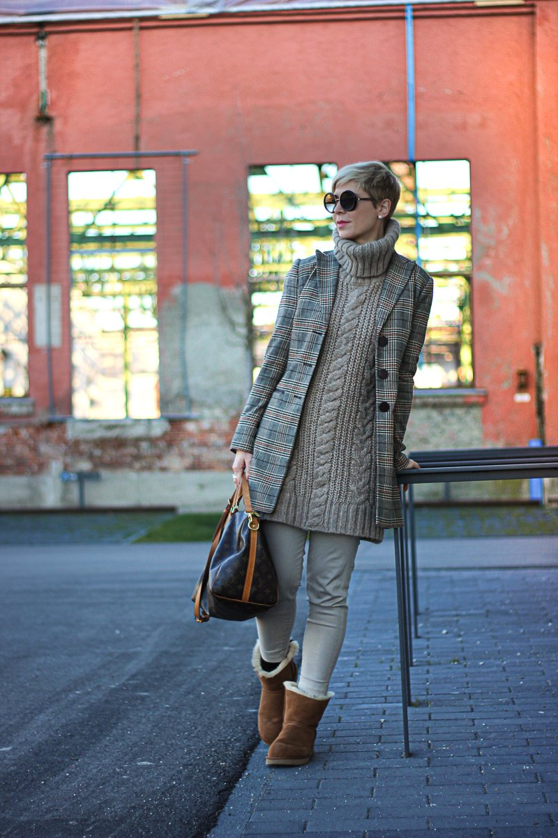 conny doll lifestyle: capsule wardrobe, beige, Kombinationsfarbe, nude, Winterlook, braun, Karo