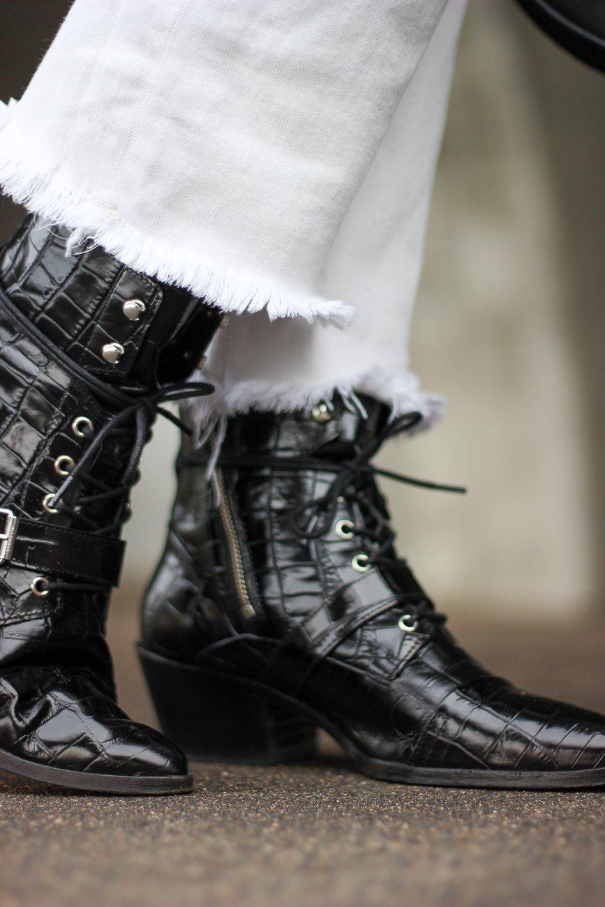 conny doll lifestlye: schwarz-weiß, Schuhe, Herbst-Winter-Trend 2020,