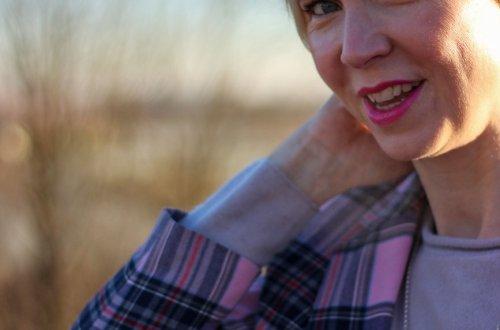 conny doll lifestyle: Karomuster, Blazer, Denim, Frühlingslook, Übergangslook