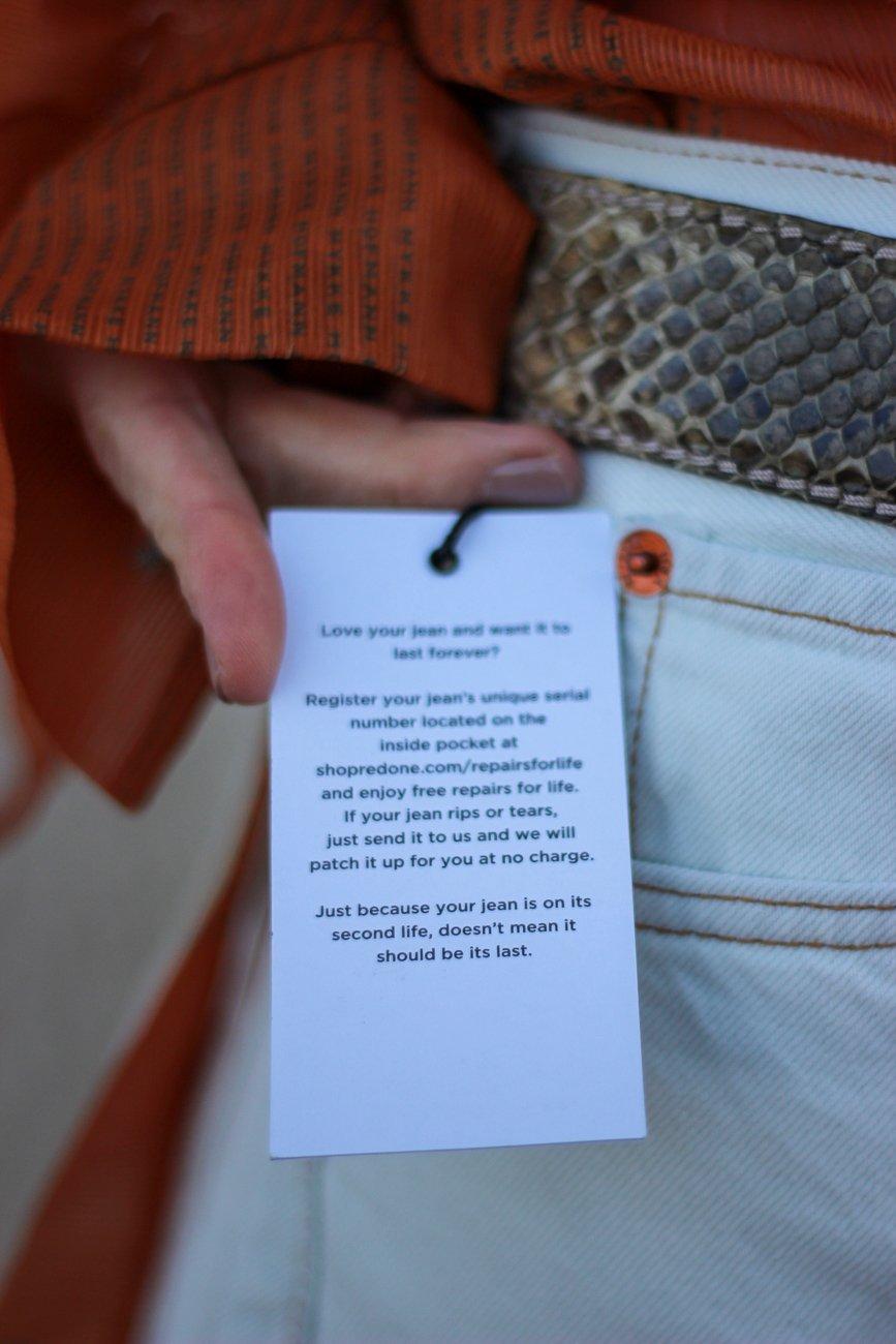 conny doll lifestyle: nachhaltiges Jeanslabel, RE/Done, orange, weiß,