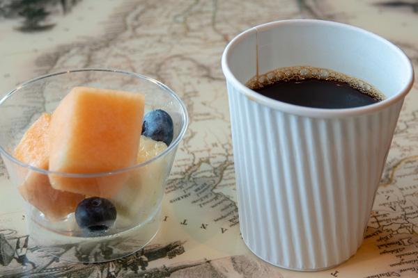 コーヒーとフルーツ