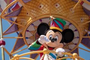 ディズニー・フェスティバル・オブ・ファンタジー・パレードのミッキー