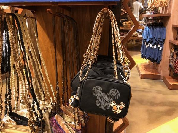 アニマルキングダム・ロッジ・ジャンボハウスのザワディ・マーケットプレイスのバッグ