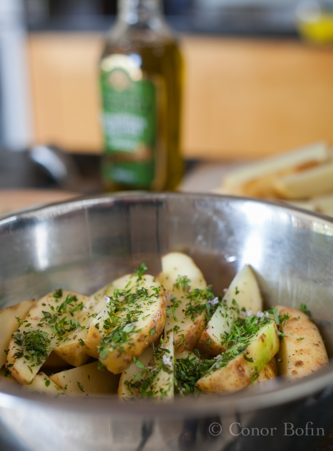 Potato wedges with herbs