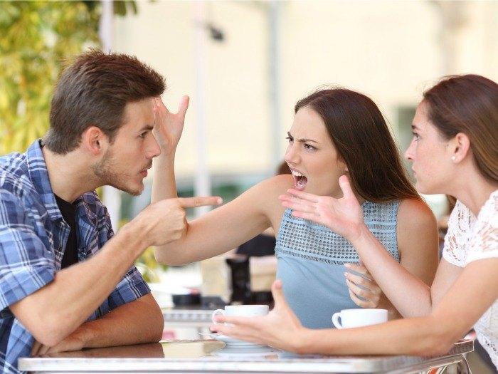 Discusiones familiares entre hermanos