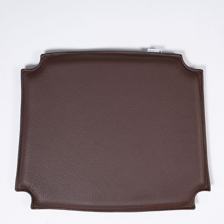 coussin d assise en cuir marron fonce wishbone ch24