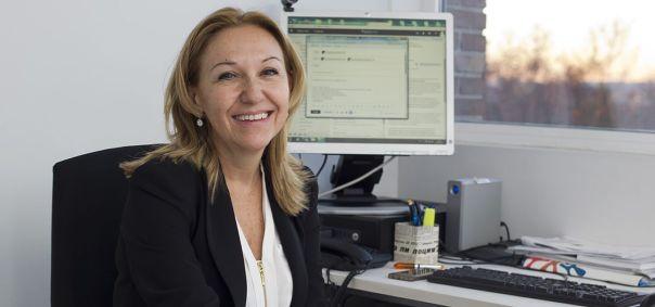 La doctora Carmen Ayuso que dirige el grupo de Genética y Genómica del Instituto de Investigación Sanitaria Fundación Jiménez Díaz.