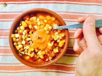 Locro de choclo con salsa