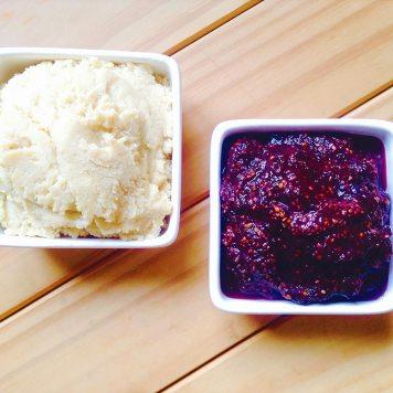 Mazapán de almendras y mermelada de frutos rojos
