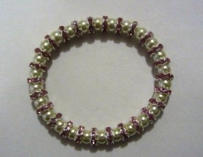Shell pearl with pink sparkles elasticated bracelet