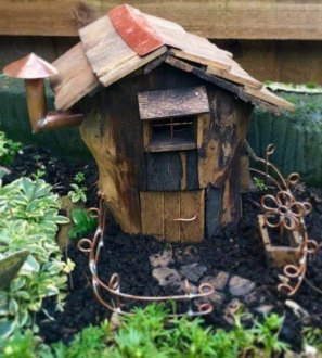 OAK No. 1 Pixiedale Real Tree Stump Fairy House Garden Ornaments, lovely fairy home, miniature pixie log house nature gift with copper mushroom chimney