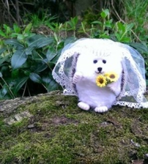 Needlefelt Bride Wedding Hedgehog - Mrs Hog - Conscious Crafties