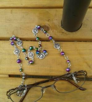 Custom made glasses chains
