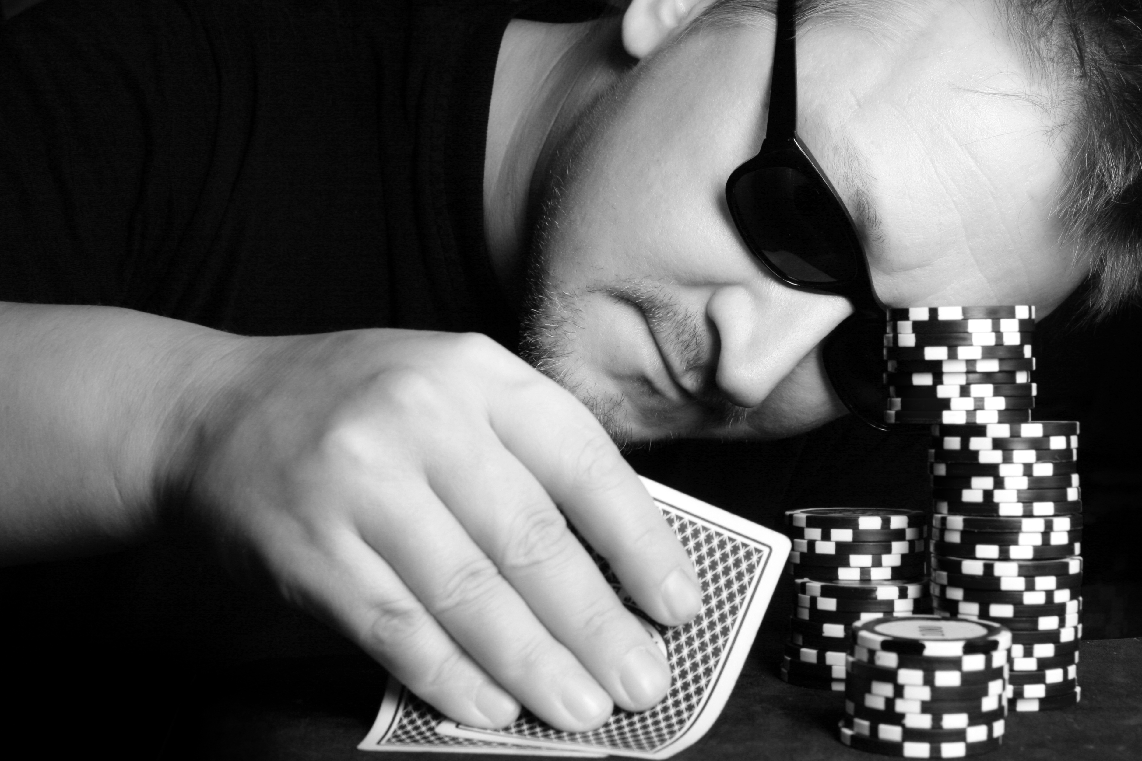 Hand Reading in Poker