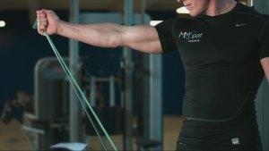 Comment se muscler avec une bande élastique