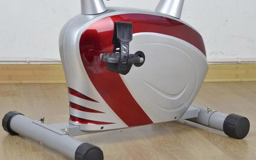 Test du vélo d'exercice Magnétron Spinning Bike Indoor Ménage 110 * 50 * 120cm de Wang