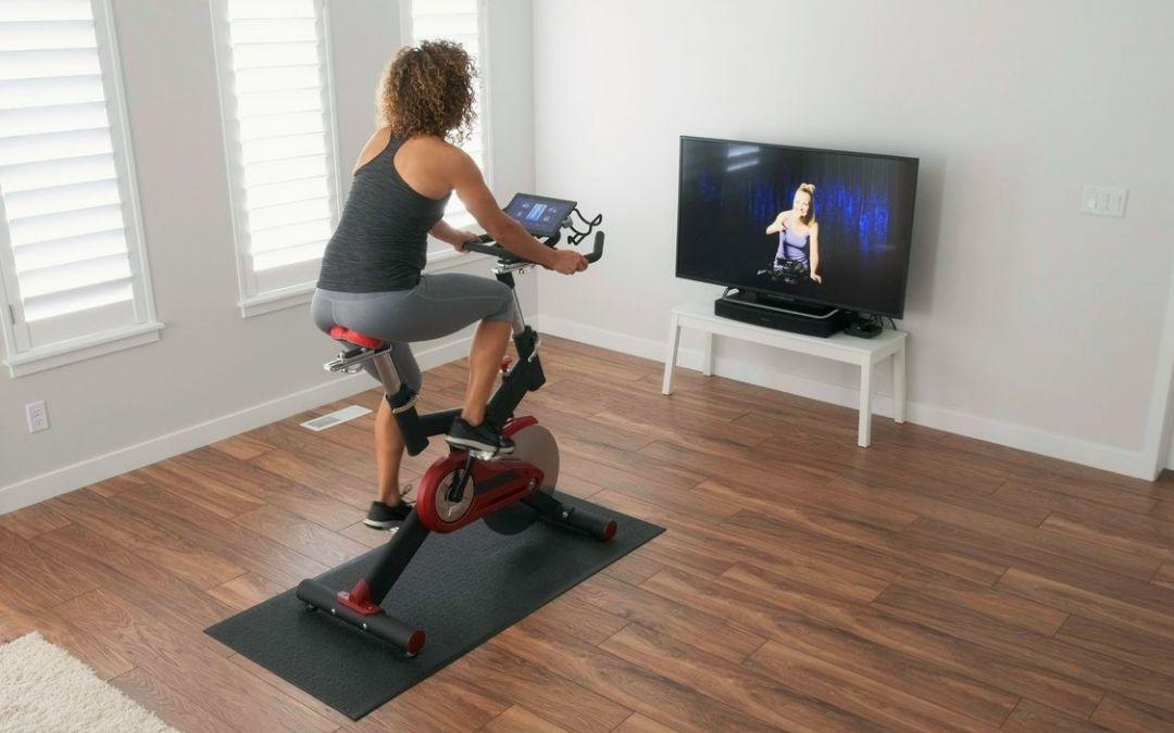 Faire du sport pendant le confinement grâce au vélo d'appartement !