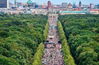 Rally in Germany at entrance to Tiergarten