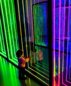 Looking into the infinity lights at the Unmuseum