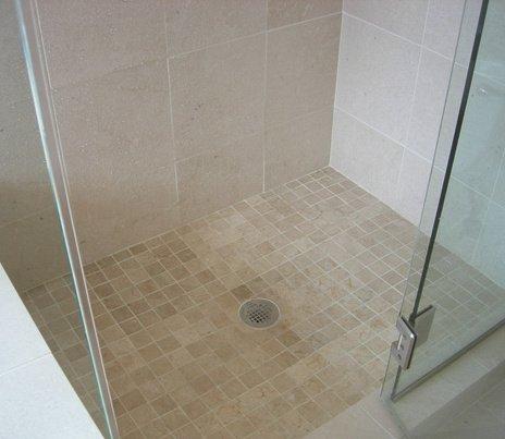 receveur de douche extra plat vs douche