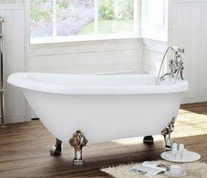 baignoire blanche sur pieds
